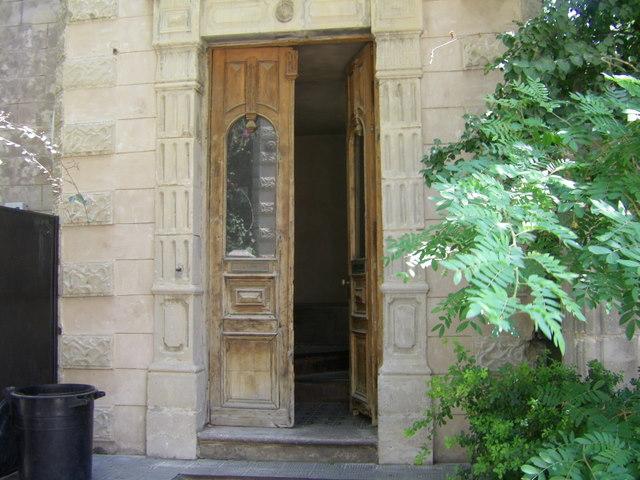 Open door, Neve Tzedek
